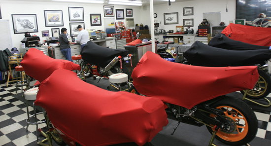 Geza Motorcycle Covers Garage